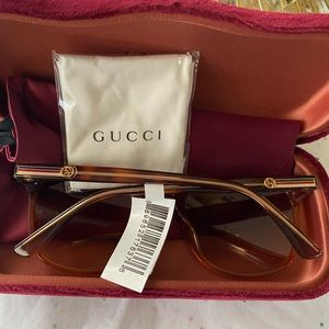 Another brand 🔥newUnisex Gucci sunglasses 🕶